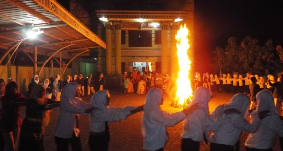 Api Unggun Simbol Pengakraban Mahasiswa